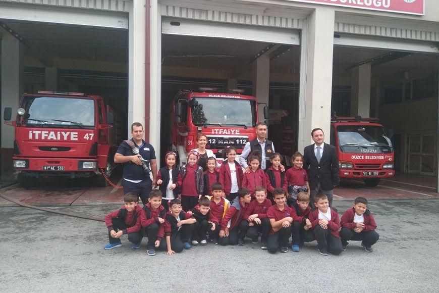 Saray Koleji Öğrencilerinden Düzce İtfaiye Müdürlüğüne Ziyaret
